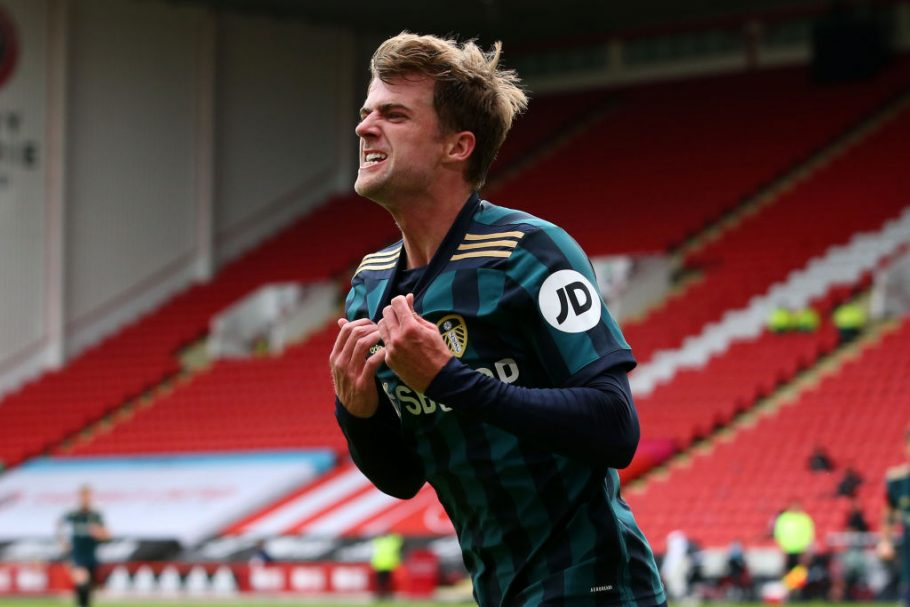 Patrick Bamford taken off for Leeds vs Chelsea after suffering injury
